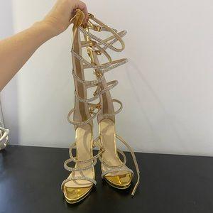 Shoes - Soulier talon neuf!